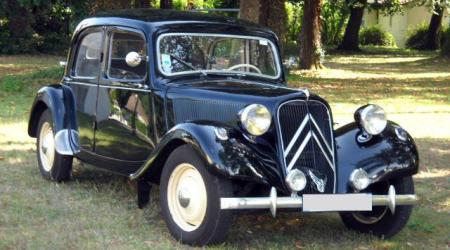 Voiture de collection « Citroën Traction 11 BL 1954 »