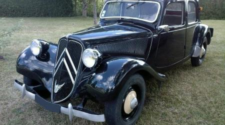 Voiture de collection « Citroën Traction 11bl 1950 »