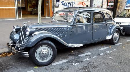 Voiture de collection « Citroën Traction 15-Six Familiale »