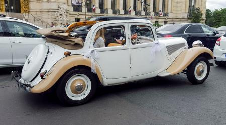 Voiture de collection « Citroën Traction découvrable »