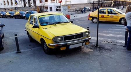 Voiture de collection « Dacia 1300 »