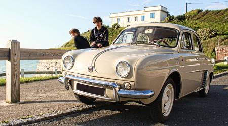 Voiture de collection « Renault Dauphine 1090 de 1960 »