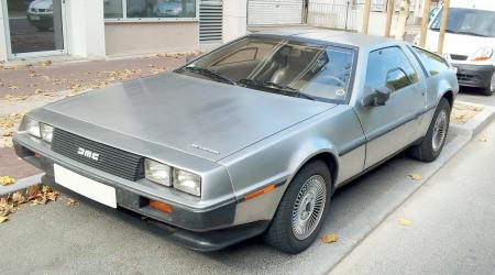 Voiture de collection « DeLorean DMC 12 »