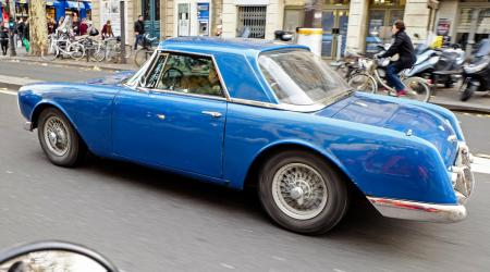 Voiture de collection « Facel Vega Facel III »