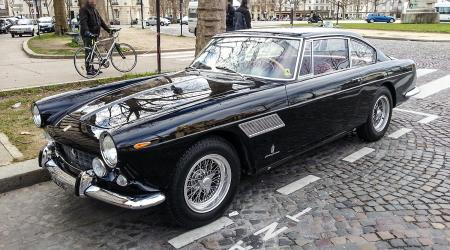 Voiture de collection « Ferrari 250 GT »