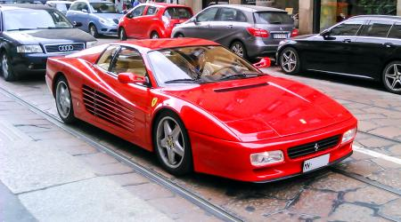 Voiture de collection « Ferrari 512 Testarrossa »