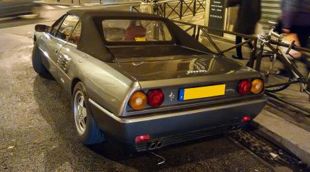 Voiture de collection « Ferrari Mondial T Cabriolet »