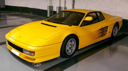 Voiture de collection « Ferrari Testarossa »