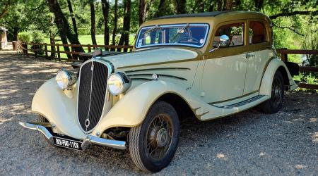 Voiture de collection « Fiat 11CV 1934 »