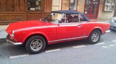Voiture de collection « Fiat 124 Spider 1600 »