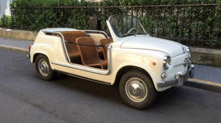 Voiture de collection « Fiat 500 Ghia Jolly »