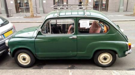 Voiture de collection « Fiat 600 »