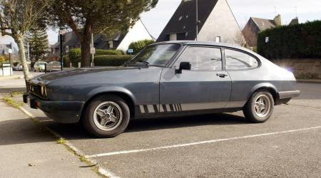 Voiture de collection « Ford Capri MK3 grise »