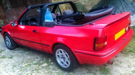 Voiture de collection « Ford Escort Cabriolet »