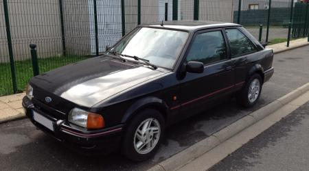Voiture de collection « Ford Escot XR3I »