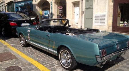 Voiture de collection « Ford Mustang cabriolet »