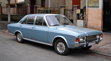 Voiture de collection « Ford Taunus 17M »