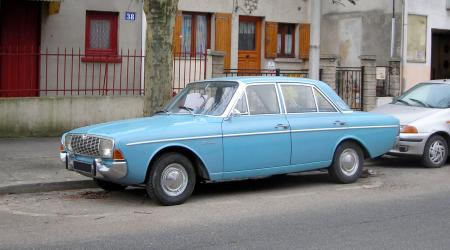 Voiture de collection « Ford taunus 20 M »