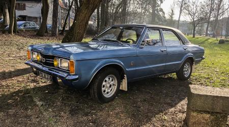 Voiture de collection « Ford Taunus XL »