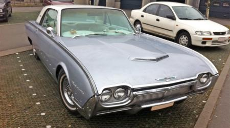Voiture de collection « Ford Thunderbird 1963 »