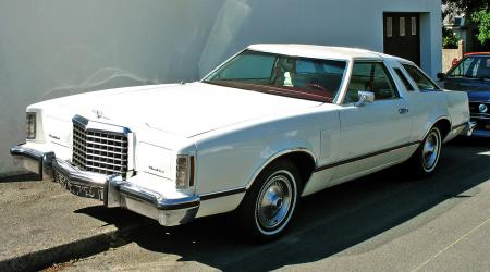 Voiture de collection « Ford Thunderbird 1978 »