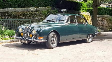 Voiture de collection « Jaguar S-Type »