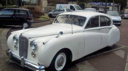 Voiture de collection « Jaguar Mark IX »