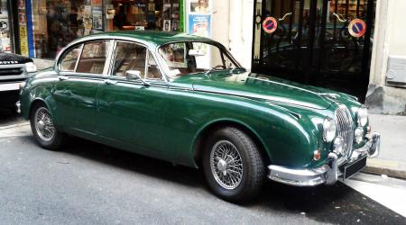 Voiture de collection « Jaguar MKII »
