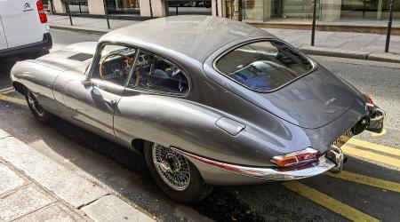 Voiture de collection « Jaguar Type E »