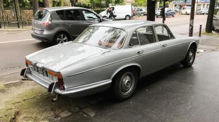 Voiture de collection « Jaguar XJ 4,2l »