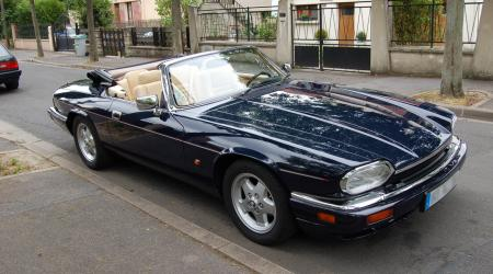 Voiture de collection « Jaguar XJS Cabriolet »