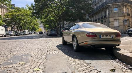 Voiture de collection « Jaguar XK8 »