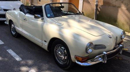 Voiture de collection « Volkswagen Karmann Ghia »