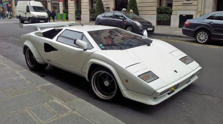 Voiture de collection « Lamborghini Countach blanche »