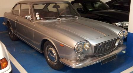 Voiture de collection « Lancia Flavia grise »