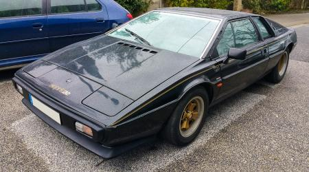 Voiture de collection « Lotus Esprit »