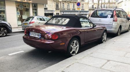 Voiture de collection « Mazda MX5 »