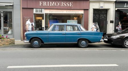 Voiture de collection « Mercedes-Benz W110 »