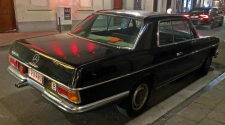 Voiture de collection « Mercedes-Benz 280CE »
