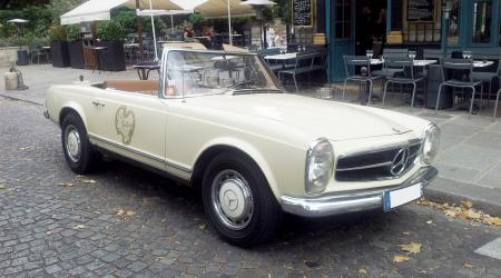 Voiture de collection « Mercedes 280 SL Chez Julien »