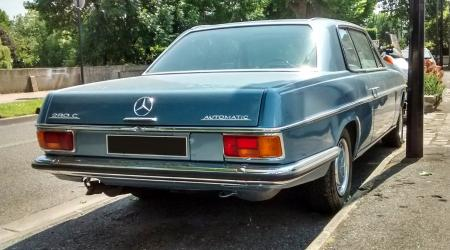 Voiture de collection « Mercedes-Benz 280C W114 »