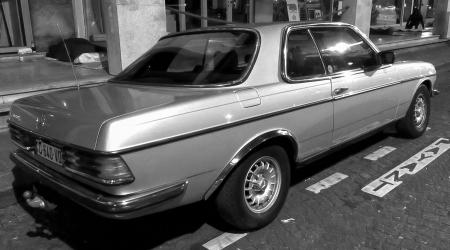 Voiture de collection « Mercedes-Benz 280CE W123 »