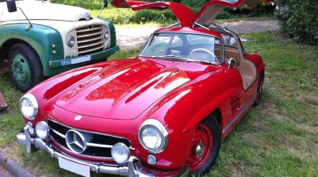 Voiture de collection « Mercedes 300 SL »