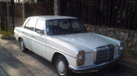 Voiture de collection « Mercedes-Benz W115 »