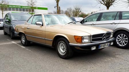 Voiture de collection « Mercedes-Benz 280 SL »