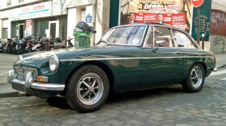 Voiture de collection « MG B GT 1971 »