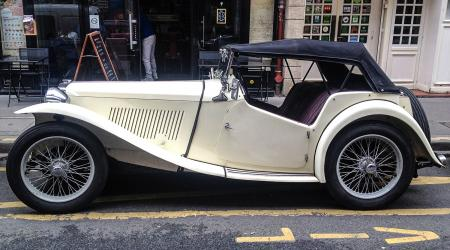 Voiture de collection « MG TD »