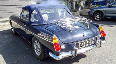 Voiture de collection « MG MGB »