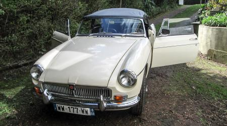 Voiture de collection « MGB 1964 »