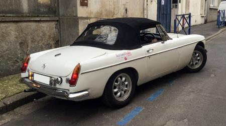 Voiture de collection « MGB AutomoBelle »